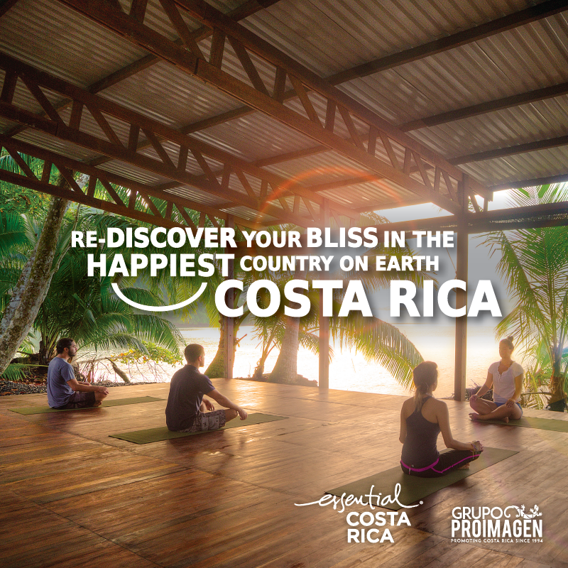 Yoga on the beach, Wellness Costa Rica.